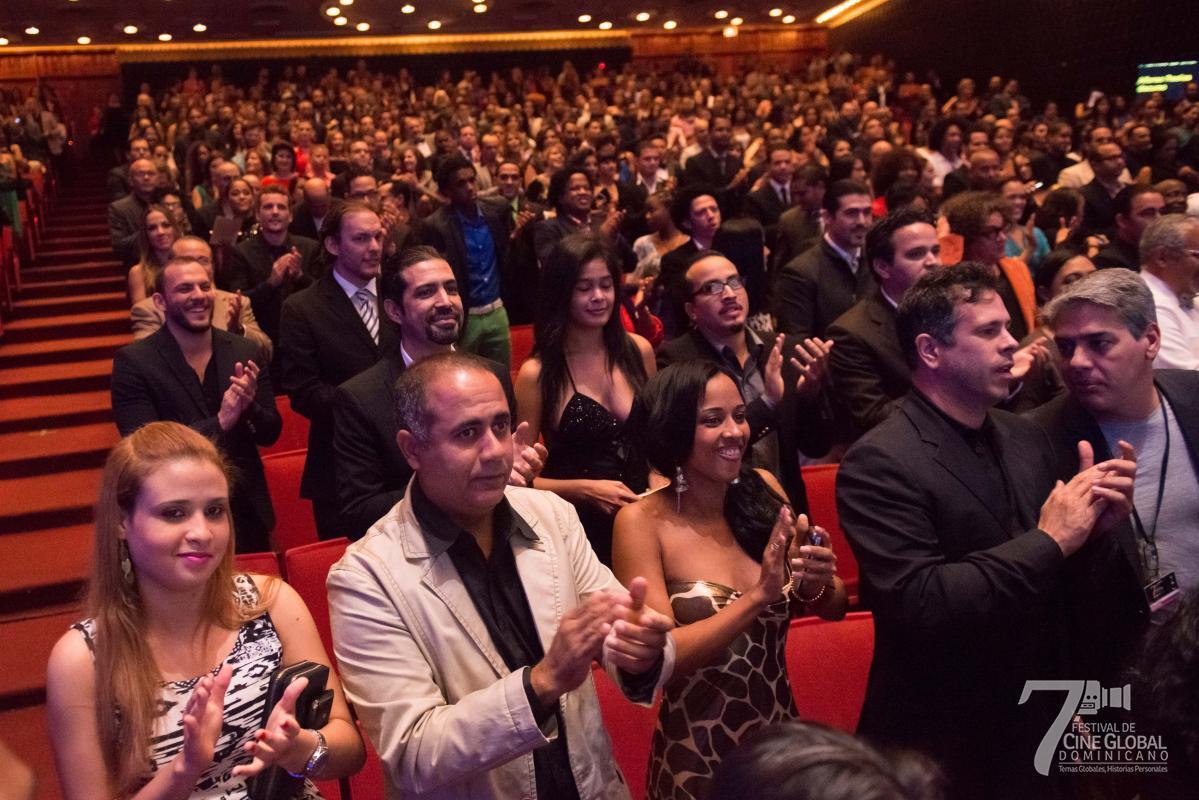 Publico en la presentacion de la Gala de los Premios ADOCINE. Teatro Nacional-2